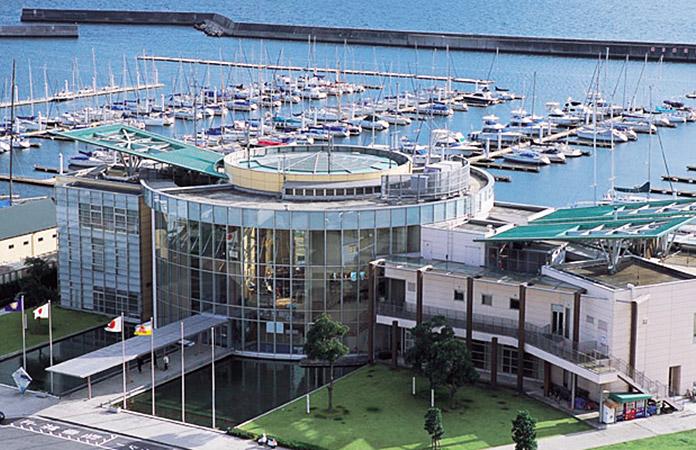 西宮浜ヨットハーバー 駐車場
