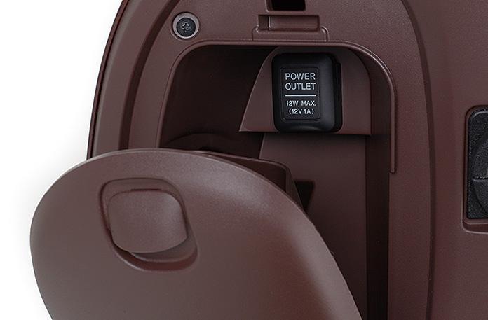 アクセサリーソケット内蔵のグローブボックス