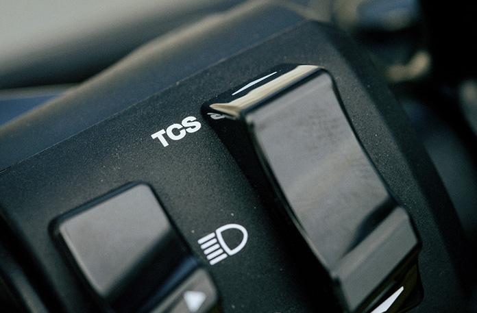 TCS(トラクション・コントロール・システム)操作スイッチ