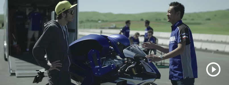 MOTOBOT Meets The Doctor (Valentino Rossi)