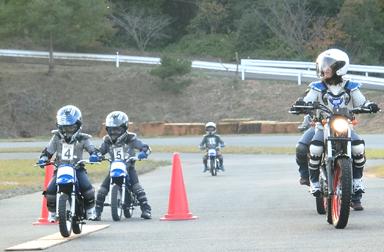 クリスマスにはバイクをおねだり?!親子バイク教室@デイトナ