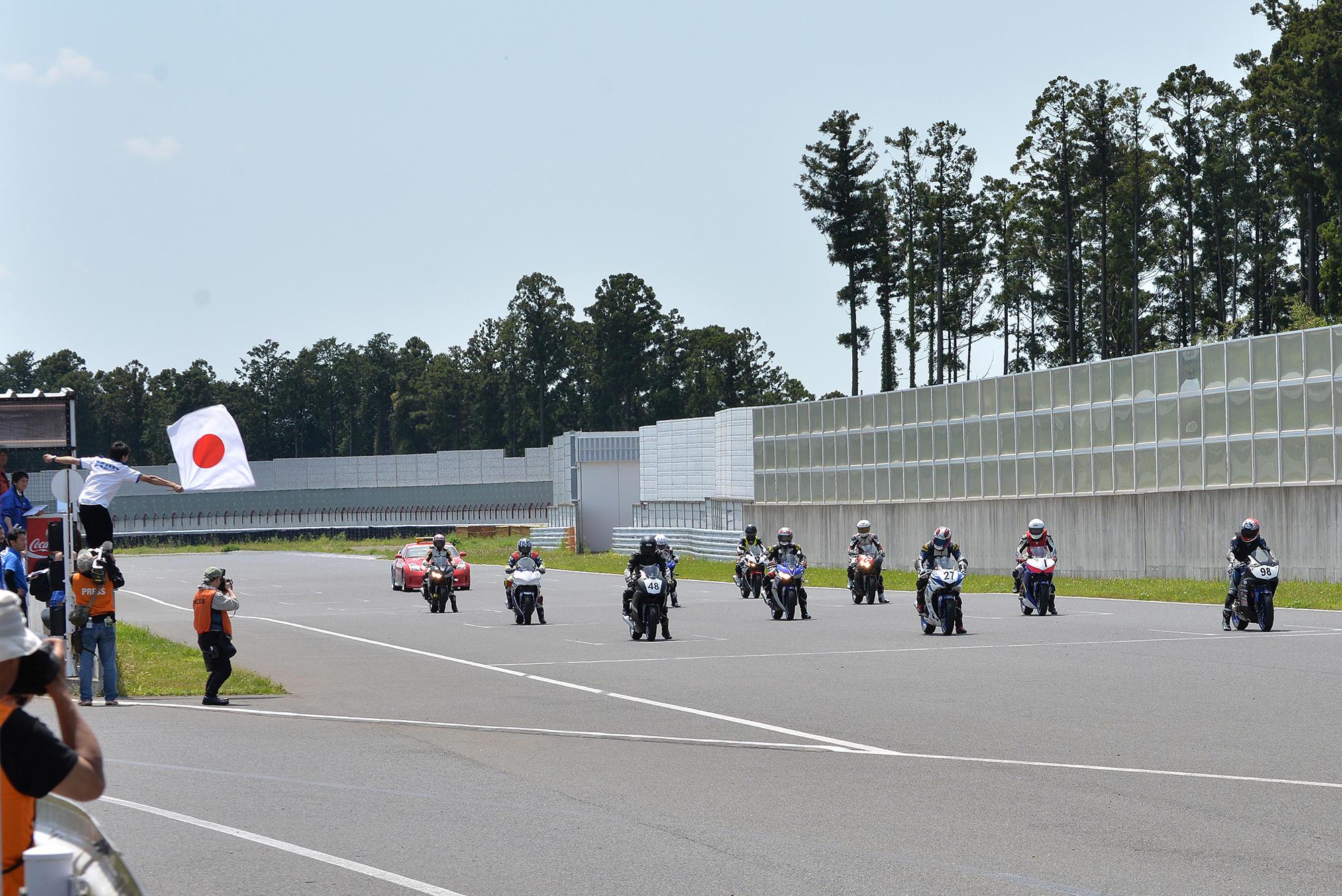 レースの見学1