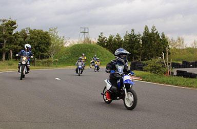 今日から君もサーキットデビュー ~ヤマハ親子バイク教室@日本自動車大学校(成田)編~