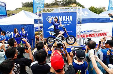 デビューウィンを飾った新型YZ85  ヤマハトップライダーの安原さや選手と本田七海選手にその実力を聞きました